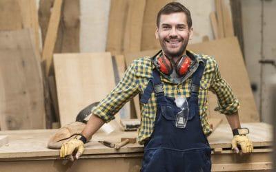 Un constructeur de maison bois recrute